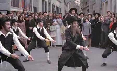 Comment apprendre la danse de rabbi jacob for Dans rabbi jacob