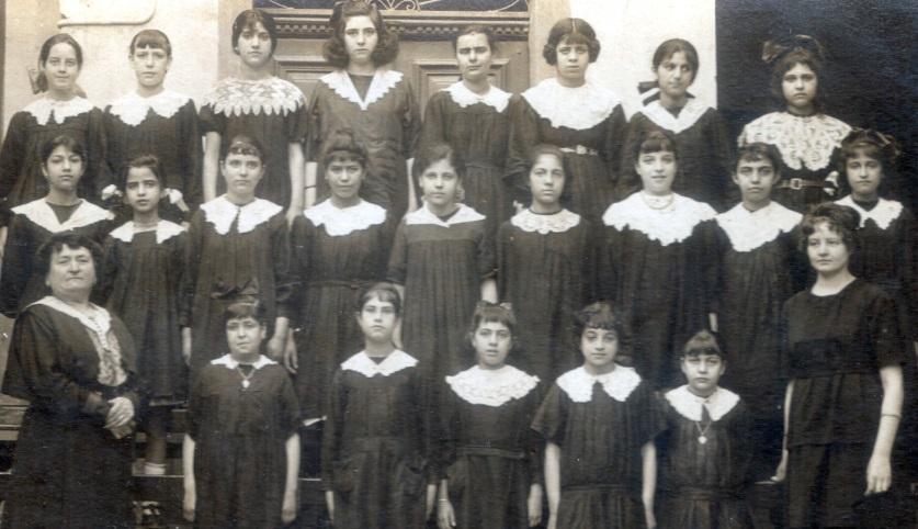 ecole bab el khadra 1921 lihgt.jpg