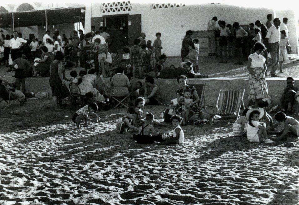 Plage Sfax 1955.jpg